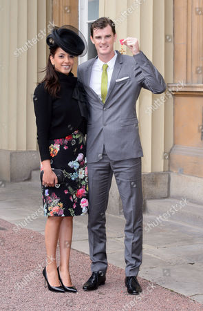 Jamie Murray receives an OBE pictured with his wife Alejandra Gutierrez