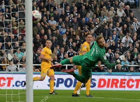 Anders Lindegaard of Preston North End watches as Issac Hayden of Newcastle United hits the post with his shot during the EFL Cup - Fourth Round match between Newcastle United and Preston North End played at St. James? Park, Newcastle upon Tyne on 25th October 2016