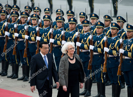 Johanna Sigurdardottir, Li Keqiang Iceland's Prime Minister Johanna Sigurdardottir, right, and Chinese Premier Li Keqiang inspect a guard of honor during a welcome ceremony outside the Great Hall of the People in Beijing