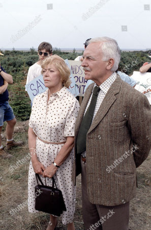 Stock Image of Brenda Bruce and Mark Kingston in 'Growing Rich'