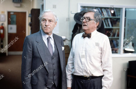 Alan MacNaughtan (left) and Tenniel Evans in 'Inside Story'