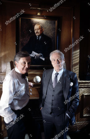 Tenniel Evans (left) and Alan MacNaughtan in 'Inside Story'