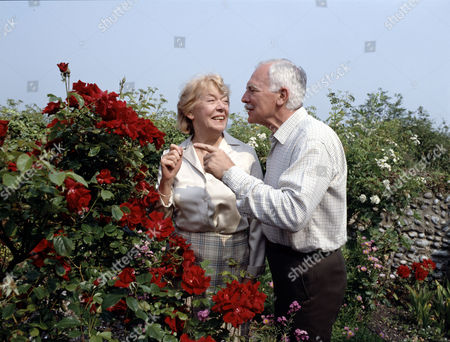 Stock Photo of Brenda Bruce and Mark Kingston in 'Growing Rich'