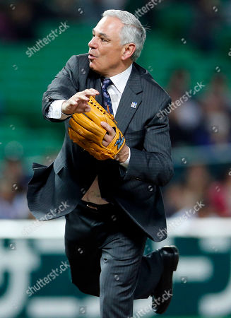 Bobby Valentine Former manager Bobby Valentine throws a ceremonial first pitch at the World Baseball Classic first-round game between Japan and China in Fukuoka, Japan. Bringing the world closer together through baseball sure sounded like a good idea. Of course, that was before most Americans found out how much other countries actually cared about beating them at their national pastime