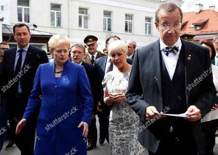 Toomas Hendrik Ilves, Dalia Grybauskaite, Evelin Ilves, Arturas Zuokas Estonia's President Toomas Hendrik Ilves, right, his wife Evelin Ilves, second from right, Lithuania's President Dalia Grybauskaite, second from left, and Mayor of Vilnius Arturas Zuokas, left, walk in the old city in Vilnius, Lithuania