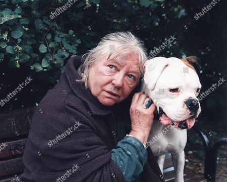 Stock Photo of 'The Wrong Side of the Rainbow' 'Charlie and Tracy'  TV - 2000 - Judy Cornwell as Josie.