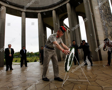 David Richards Britain's Chief of Defense Staff Gen. Sir David Richards lays a wreath of flowers at the Allied War Memorial Cemetery in Htauk Kyant, in Yangon, Myanmar. Britain's most senior serving military officer concluded a visit to Myanmar, the first visit by the head of a Western nation's armed forces since the reform process began