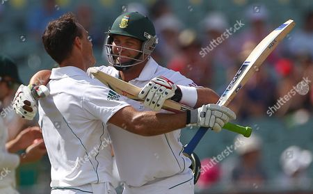 Faf Du Pessis, Jacques Kallis South Africa's Faf Du Pessis, left, is embraced by batting partner Jacques Kallis after Du Plssis made 100 runs against Australia on the final day of their cricket test match in Adelaide, . At stumps South Africa need 430 runs for the win