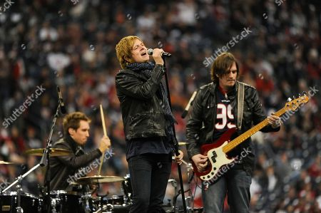 """Terry McDermott The Voice"""" finalist Terry McDermott performs during halftime of an NFL wild card playoff football game between the Cincinnati Bengals and Houston Texans, in Houston"""