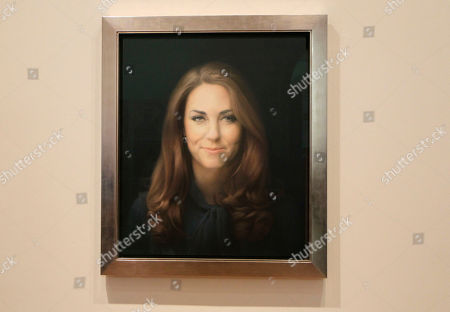 Paul Emsley A newly-commissioned portrait of Kate, Duchess of Cambridge, by artist Paul Emsley hangs at the National Portrait Gallery in London