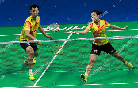 Xu Chen, Ma Jin China's Xu Chen, left, and Ma Jin, right, play against Malaysia's Chan Peng Soon and Goh Liu Ying during their mixed doubles final match of the China Open World Superseries Premier badminton competition in Shanghai, China on