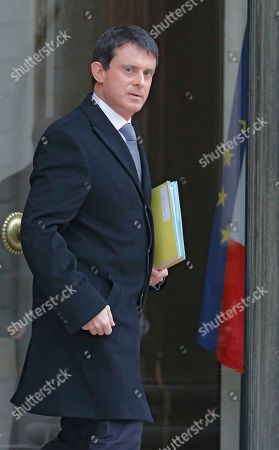 Manuel vals French interior minister Manuel Valls leaves after the weekly cabinet meeting in Elysee Palace, Paris