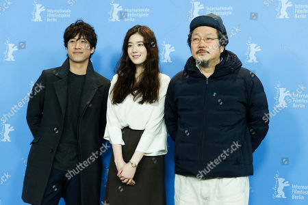 Lee Sun-kyun, Jung Eun Chae, Hong Sangsoo From left, actors Lee Sun-kyun, Jung Eun-chae and director Hong Sang-soo pose during the photo call of the movie ' Nobody's Daughter Haewon ' (Nugu-Ui Ttal-Do Anin Haewon) at the 63rd edition of the Berlinale, International Film Festival in Berlin
