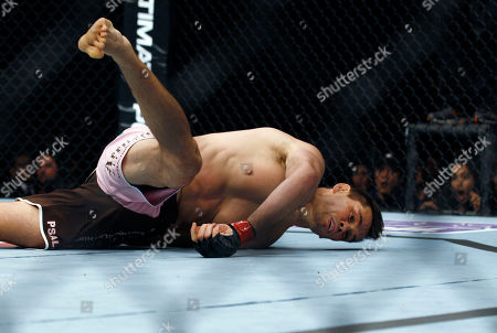 "Rich ""Ace"" Franklin Rich ""Ace"" Franklin of the US falls after being hit by Cung Le of Vietnam, during the Middleweight match, of the Ultimate Fighting Championship, UFC, at the Venetian Macao, in Macau . Cung Le won by a knock out in the first round"