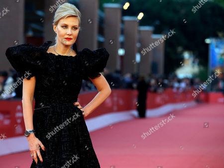 "Renata Litvinova Actress Renata Litvinova poses on the red carpet to present the movie ""Vechnoe Vozraschenie"" (Eternal Return) at the 7th edition of the Rome International Film Festival in Rome"