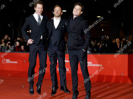 """Alan Polsky, Gabe Polsky, Stephen Dorff Producers and directors Alan Polsky, left, and Gabe Polsky, right, pose for photographers with actor Stephen Dorff as they arrive for the screening of their movie """"The Motel Life"""" during the 7th edition of the Rome International Film Festival in Rome"""