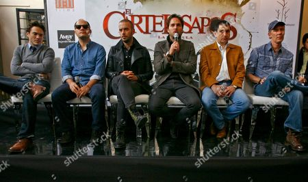 """Mexican actor Kuno Becker, left, and fellow Colombian cast members, actor Julian Arango, from second left to right, actor Diego Cadavid, actor and producer Manolo Cardona, actor Robinson Diaz and Mexican producer Alex Garcia hold a joint press conference to promote their new film, """"El Cartel de los Sapos,"""" in Mexico City, . Based on the namesake TV series, the movie is about 10 members of one of the most dangerous Colombian cartels, Norte del Valle Cartel or North Valley Cartel"""