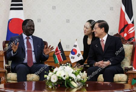 Stock Image of Kim Hwang-sik, Raila Odinga South Korean Prime Minister Kim Hwang-sik, right, talks with his Kenyan counterpart Raila Odinga during their meeting at the government complex in Seoul, South Korea. . Odinga arrived in Seoul on Sunday for a four-day visit to boost bilateral cooperation