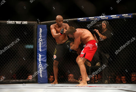 Anderson Silva, Stephan Bonnar Anderson Silva, left, from Brazil, fights Stephan Bonnar, from the United States, during their light heavyweight mixed martial arts bout at the Ultimate Fighting Championship (UFC) 153 in Rio de Janeiro, Brazil, early . Silva defeated Bonnar