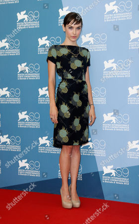 Hallie Elizabeth Newton Screenwriter Hallie Elizabeth Newton poses at the photo call for the film 'At Any Price' during the 69th edition of the Venice Film Festival in Venice, Italy