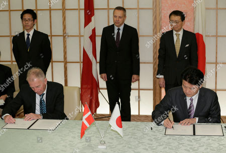 Villy Sovndal, Koichiro Gemba Danish Foreign Minister Villy Sovndal, seated at left, and his Japanese counterpart Koichiro Gemba, seated at right, sign an agreement on parliamentary consultations between the two countries, at Foreign Ministry in Tokyo