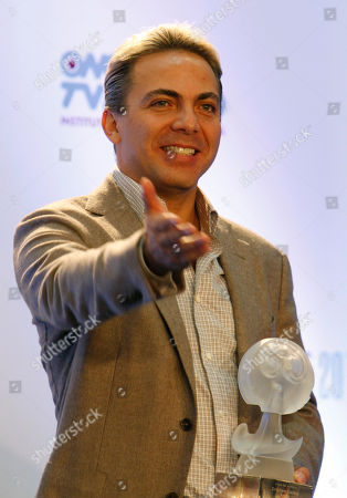 Mexican singer Cristian Castro poses for pictures during the Lunas del Auditorio Nacional awarding ceremony in Mexico City