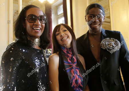 Fatima Lopes, J. Alexander, Vincent Mcdoom Fashion designer Fatima Lopes, center, poses with TV fashion presenter Vincent Mcdoom, left and J. Alexander, known also as Miss J, is an American model, television personality, backstage prior to her spring-summer 2013 ready to wear collection in Paris