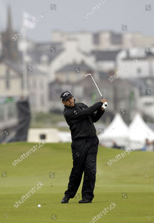 India's Jeev Milkha Singh plays his second shot on hole 18 during day one of the Irish Open Golf Championship at Royal Portrush Golf Club, Portrush, Northern Ireland