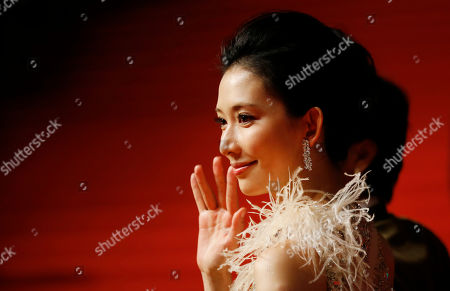 Lin Chiling Taiwanese actress Lin Chiling waves on the red carpet prior to the opening ceremony of the Shanghai International Film Festival at Shanghai Grand Theater in Shanghai, China