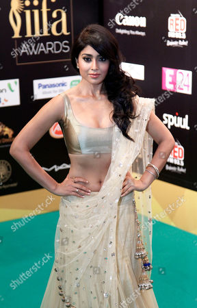 "Shriya Saran Bollywood actress Shriya Saran arrives on the ""green carpet"" for the IIFA Rocks! concert as part of the three-day long International Indian Film Academy (IIFA) awards held on in Singapore"