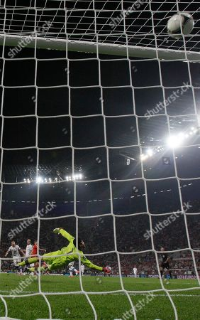 Russia's Roman Pavlyuchenko, third left rear, scores past Czech goalkeeper Petr Cech during the Euro 2012 soccer championship Group A match between Russia and Czech Republic in Wroclaw, Poland