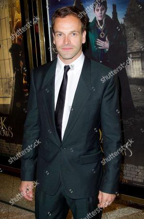 Johnny Lee Miller Actor Johnny Lee Miller arrives for the UK Premiere of 'Dark Shadows', at a central London cinema