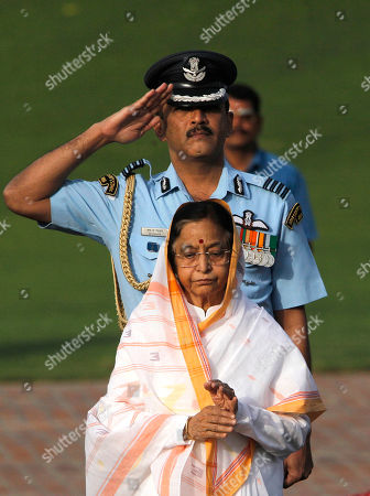 Pratibha Patil Indian president Pratibha Patil, front, pays tributes to country's first Prime Minister Jawaharlal Nehru on his 48th death anniversary at his memorial in New Delhi, India