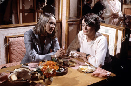 Sheila Ruskin (left) and Bernice Stegers in 'Tales Of The Unexpected' - Episode: 'The Eavesdropper'