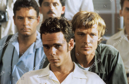 Alan David Lee, Kevin Dillon and Iain Glen in 'Frankie's House'