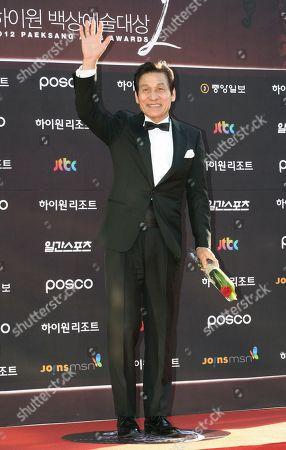 Ahn Sung-ki South Korean actor Ahn Sung-ki waves before the Baeksang Arts Awards in Seoul, South Korea, . The Baeksang Arts Awards is a major film and arts awards ceremony in the country