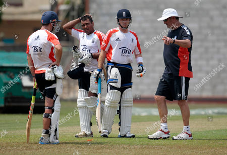 Andrew Strauss, Samit Patel, Ian Bell, Graham Gooch England's cricket captain Andrew Strauss, left, Samit Patel, second left, and Ian Bell listen to batting coach Graham Gooch, right, during a practice session in Colombo, Sri Lanka, . The England team is in the country to play two test match series with Sri Lanka