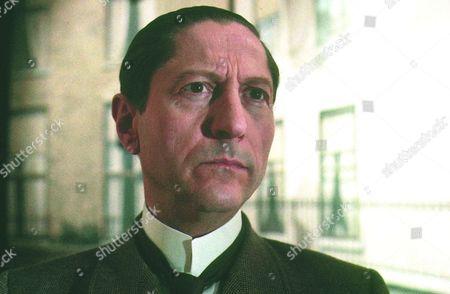 'Adventures of Sherlock Holmes' - 1984   Inspector Lestrade [Colin Jeavons]