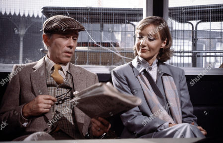 John Carson and Jennifer Hilary in 'Tales Of The Unexpected' - 1980  Episode: 'The Umbrella Man'