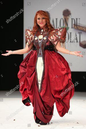 Julie Pietri on the catwalk