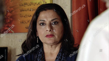 As Sharif Nazir, as played by Marc Anwar, presents Rana Habib, as played by Bhavna Limbachia, with Jamila's necklace and Zeedan Nazir makes a heartfelt speech, Yasmeen Nazir, as played by Shelley King, is no longer able to contain her anger and announces that Sharif has been having an affair for years. The guests reel in shock. (Ep 9027 - Friday 4th November 2016)