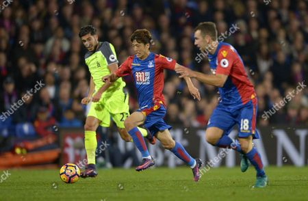 Chung-Yong Lee of Crystal Palace with Emre Can of Liverpool (l) and James McArthur of Crystal Palace (r) during the Premier League match between Crystal Palace and Liverpool played at Selhurst Park, London on 29th October 2016