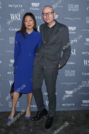Robert Thomson, News Corp CEO and Wang Ping (L)