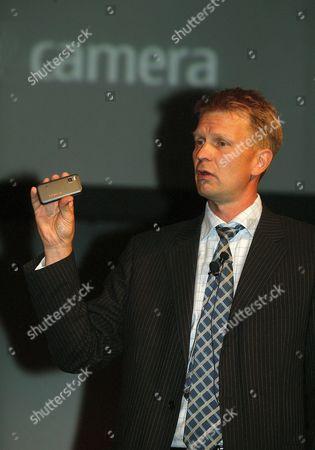 Stock Picture of Kai Oistamo, Executive Vice President of Nokia