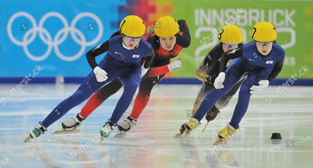 Shim Suk Hee, Xu Aili,Sumire Kikuchi Park Jung Hyun Korea's Shim Suk Hee, China's Xu Aili, Japan's Sumire Kikuchi and Korea's Park Jung Hyun, from left, compete in the women's 1000 meter final in the short track speed skating competition during the first winter Youth Olympic Games in Innsbruck, Austria, . Korea's Shim Suk Hee won the gold medal