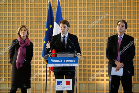 Francois Baroin, Valerie Pecresse, Pierre Lellouche French finance minister Francois Baroin, center, addresses reporters during his traditional New Year Wishes to the press, at the finance ministry in Paris. Standing at left is budget minister Valerie Pecresse, and at right external trade junior minister Pierre Lellouche