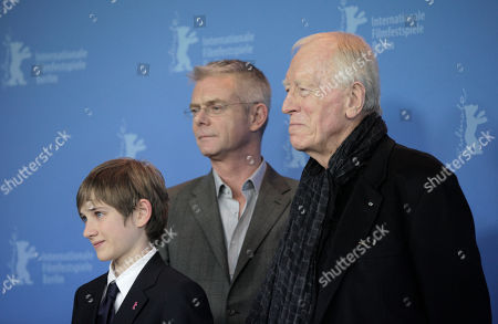 Thomas Horn, Stephen Daldry, Max von Sydow From left actor U.S Thomas Horn, background centre British director Stephen Daldry and French actor Max von Sydow pose at the photo call for the film Extremely Loud and Incredibly Close during the 62 edition of International Film Festival Berlinale, in Berlin