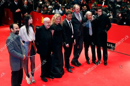 Asghar Farhadi, Charlotte Gainsbourg, Mike Leigh, Barbara Sukowa, Francois Ozon, Boualem Sansal, Jake Gyllenhaal Members of the jury, from left, Asghar Farhadi, Charlotte Gainsbourg, Mike Leigh, Barbara Sukowa, Francois Ozon, Boualem Sansal and Jake Gyllenhaal arrive on the red carpet for the opening ceremony and the screening of the film Farewell My Queen (Les adieux a la Reine) during the 62 edition of International Film Festival Berlinale, in Berlin