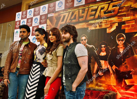 Abhishek Bachchan, Sonam Kapoor, Bipasha Basu, Neil Nitin Mukesh Bollywood actors, from left, Abhishek Bachchan, Sonam Kapoor, Bipasha Basu and Neil Nitin Mukesh pose during a promotional event of their upcoming movie 'Players' in Bangalore, India, . The movie is scheduled to be released on Jan. 6, 2012
