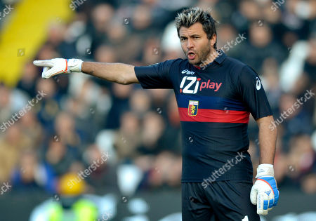 Genoa goalkeeper Sebastien Frey, of France, gestures during the Serie A soccer match between Cesena and Genoa, at Manuzzi stadium in Cesena, Italy